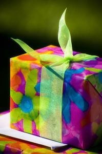 1076955_vibrant_gift.jpg