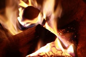 1334980_fire.jpg