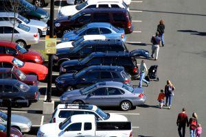 648681_parking_lot.jpg