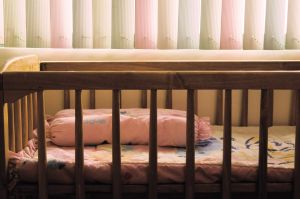 empty-crib-824136-m.jpg