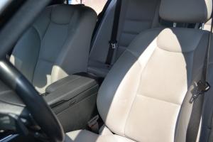 luxury-car-interior-1436692-m.jpg