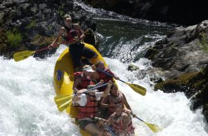 river-rafting-864944-m.jpg